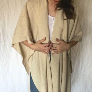 Sweaters - Vintage wool poncho